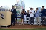 Standing ovation for Trevor Hoffman